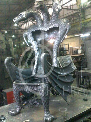 Кованые стулья Дракон