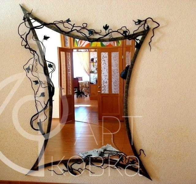 Кованое зеркало Лукаон