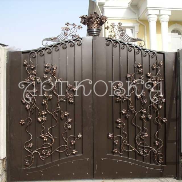 Забор и ворота для дома: каким он должен быть?