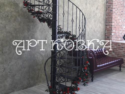 Красивая винтовая кованая лестница Флёр