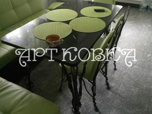 Красивый кованый стол Белла для дома