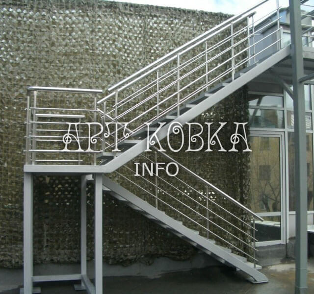 Сварная лестница Техно