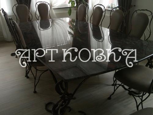 Элегантный кованый стол Индра для дома