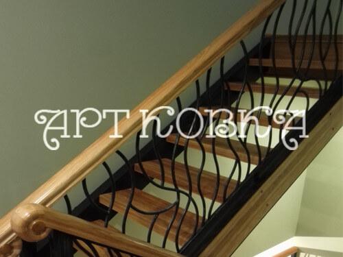 Простая кованая лестница Дафна