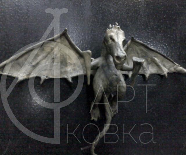 Кованое украшение Дракон