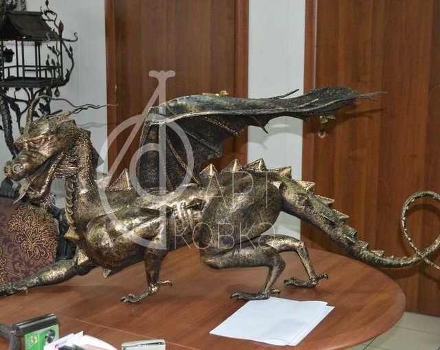 Кованая статуэтка Дракон