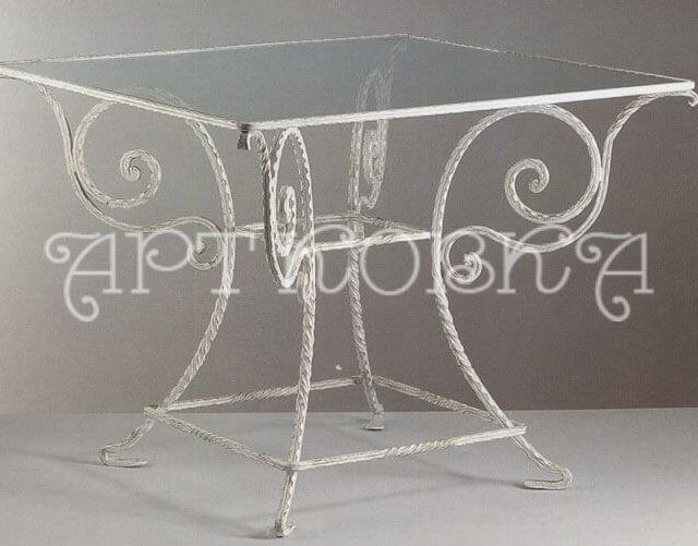 Кованый столик Мороз
