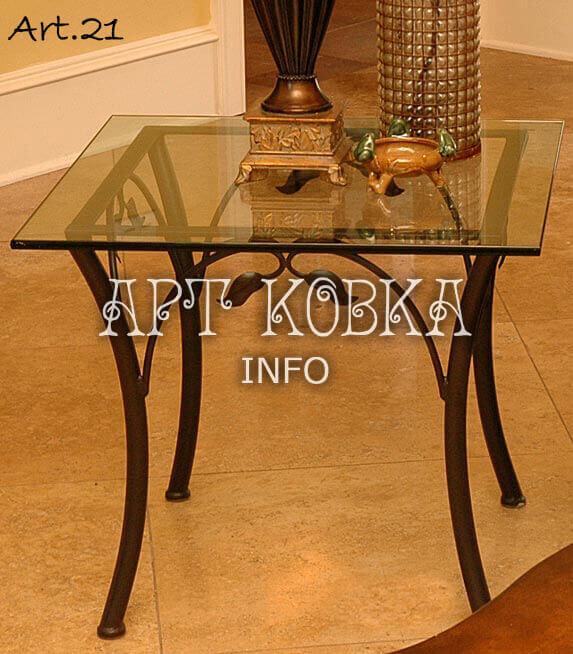 Кованый стеклянный столик для дома Ди Лир