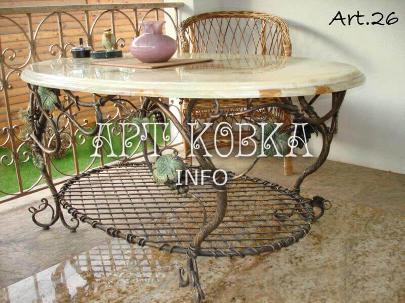 Кованый стол для коттеджа Уна Вите