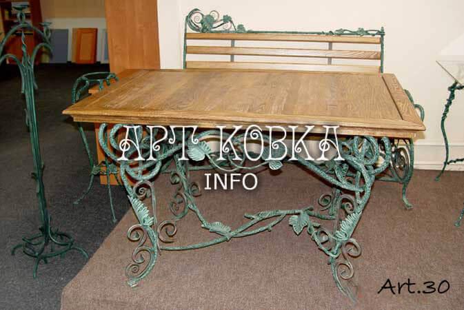 Большой кованый стол Дионис