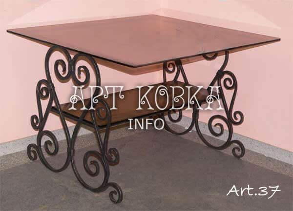 Кованый столик Кристалли