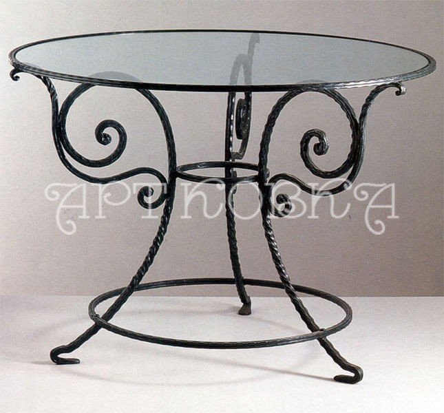 Круглый, кованый ажурный стол Марсель