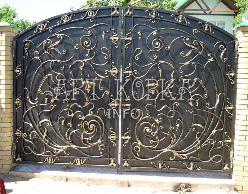 Ажурные кованые ворота Маделен