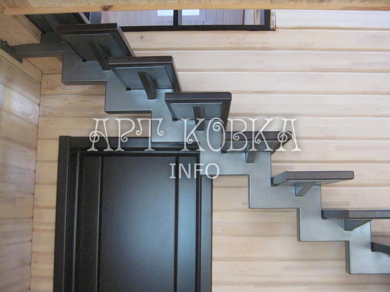 Сварная металлическая лестница Оридж