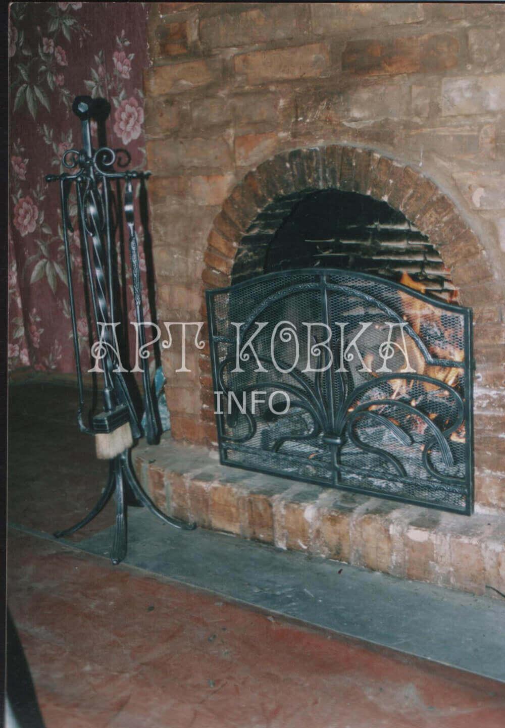 Оригинальные кованые каминные аксессуары Диковинка