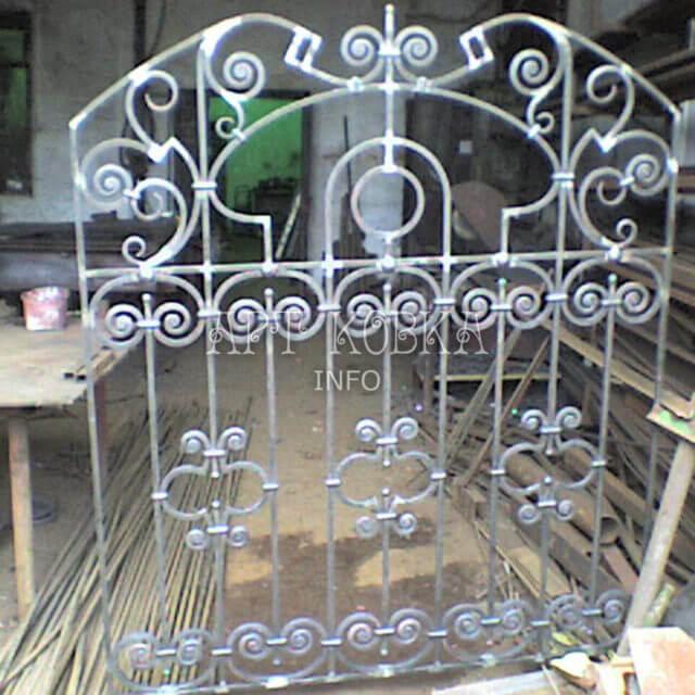 Кованые решетки на окна Василиса