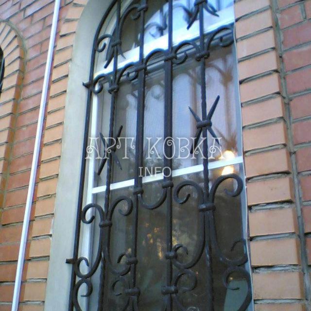 Кованые решетки на окна Парлес
