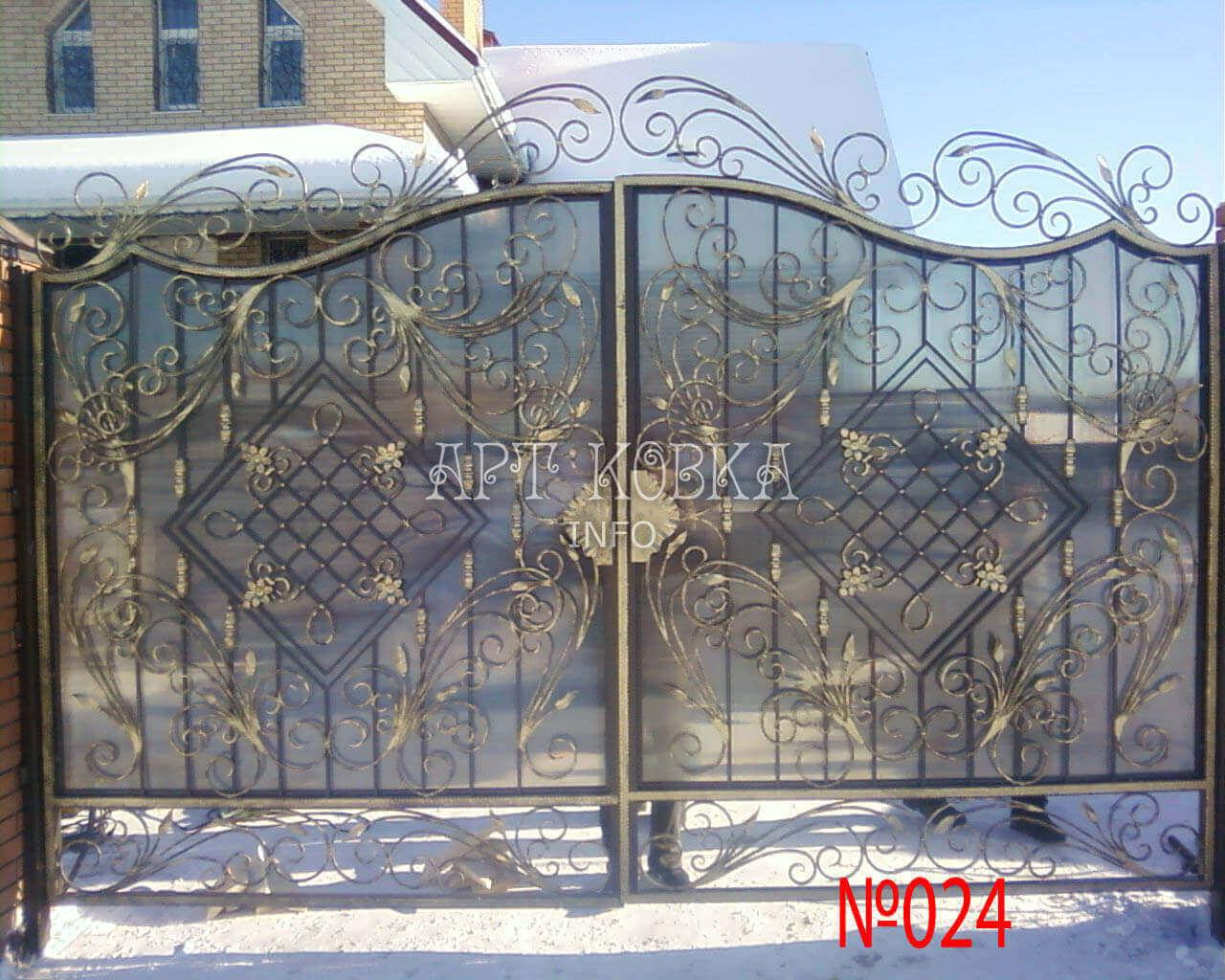 Надёжные кованые ворота Арсика
