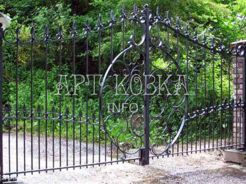Недорогие кованые ворота для дачи Джуал
