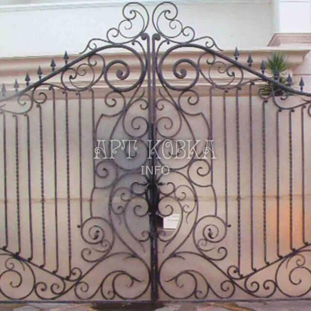 Кованые ворота Миржана