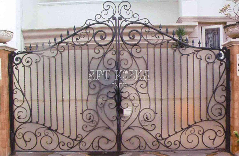 Распашные кованые ворота Миржана