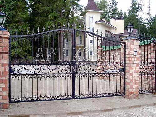 Кованые ворота Барсен