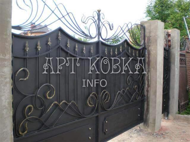 Недорогие кованые ворота для дома Жаклин
