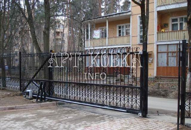 Сварные ворота с калиткой Эльтен
