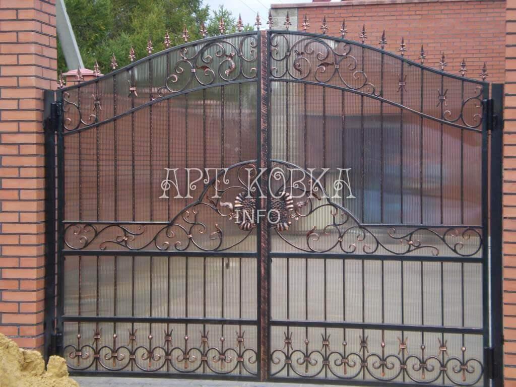 Стильные кованые ворота Лафрен