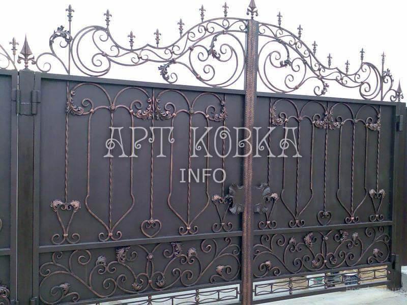 Кованые ворота с узором Кортиз