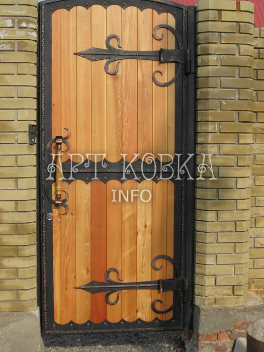 Оригинальная кованая дверь Золотой ключик
