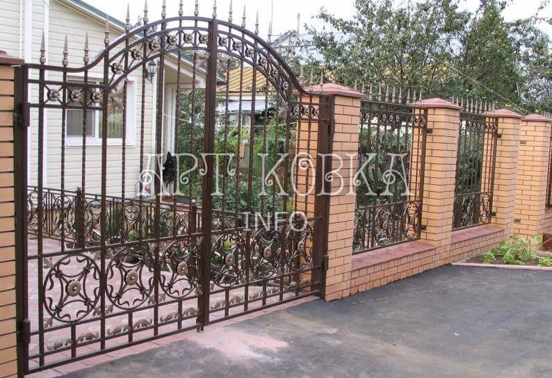 Красивые кованые ворота Цирсен