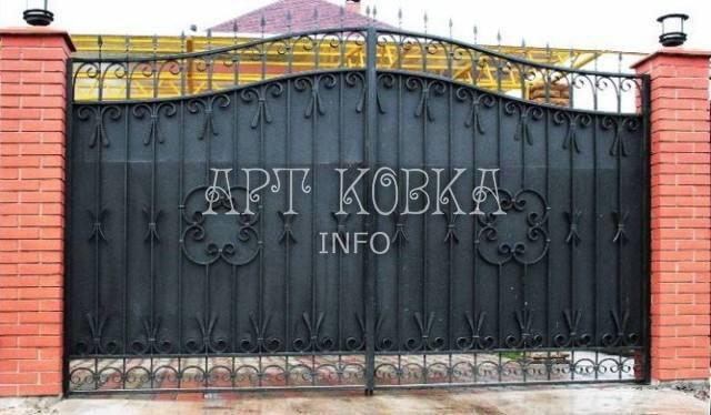 большие кованые ворота Сабри