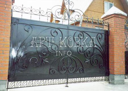 Большие сварные ворота на дачу Мариса