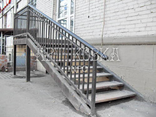 Кованая лестница Трист