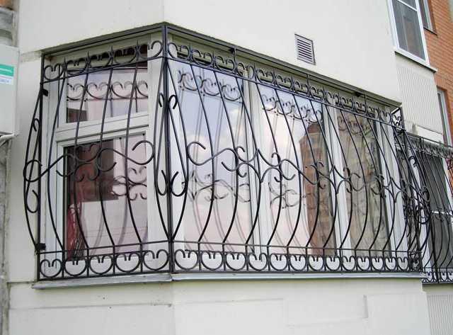 Кованые решетки: безопасно и эстетично